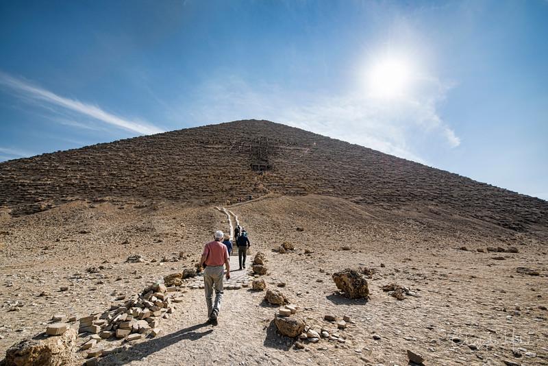 saqqara_unas_tomb_serapeum_dahshur_red_bent_pyramid_20130220_5753.jpg