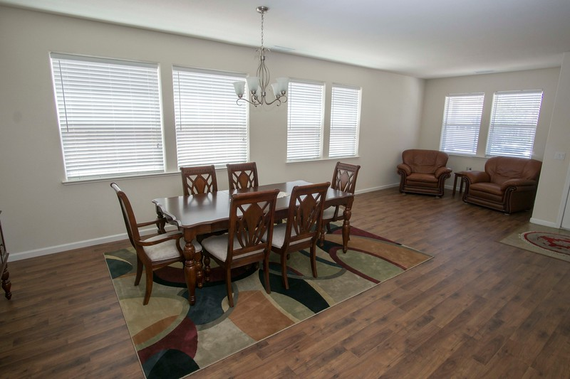 wide livingroom.jpg