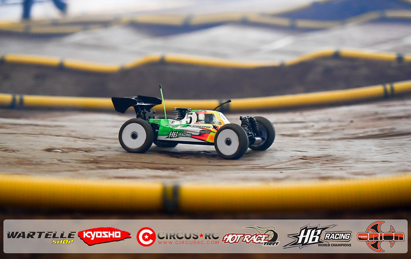 neo race track pits50.jpg
