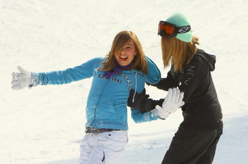 Snow_Trails_2010_J131.jpg