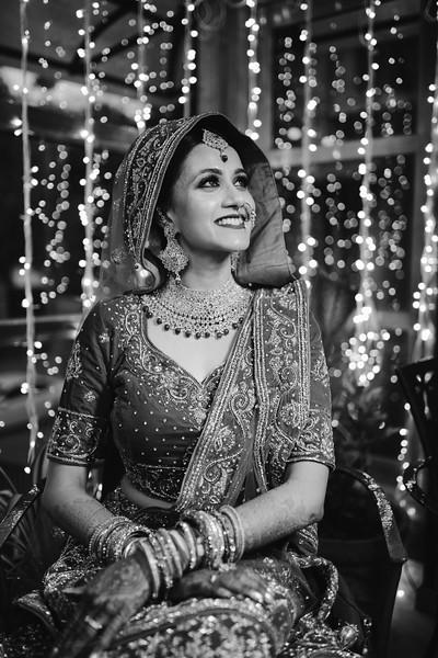 Candid Wedding Photographer Ahmedabad-1-156.jpg