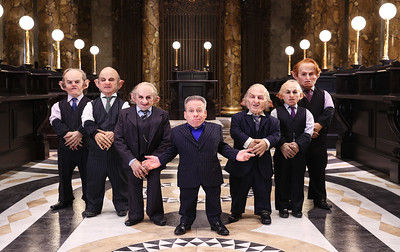 19/3/19 - FIRST LOOK AT GRINGOTTS WIZARDING BANK WITH WARWICK DAVIS