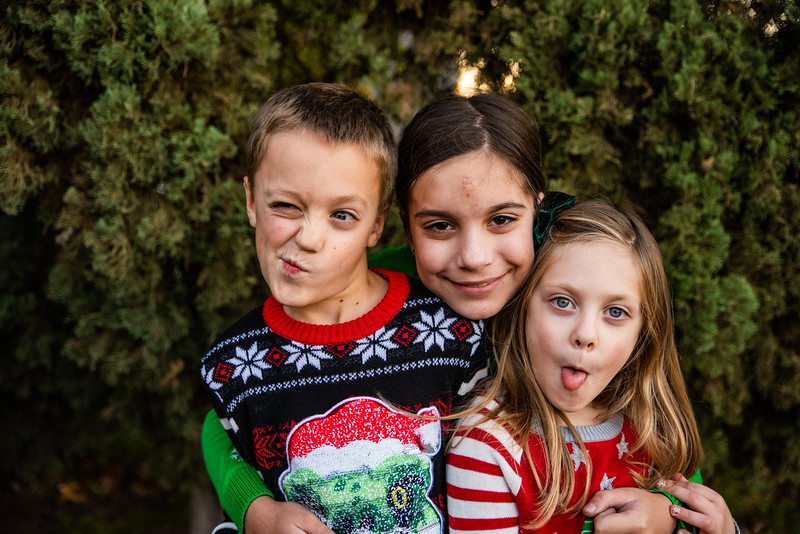 Christmas Sweater Cousins 2020-6793.jpg