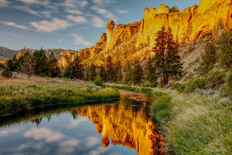 Smith Rock and river HDR sf.jpg