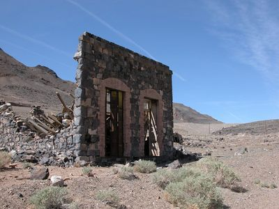 Mina Ghost Towns