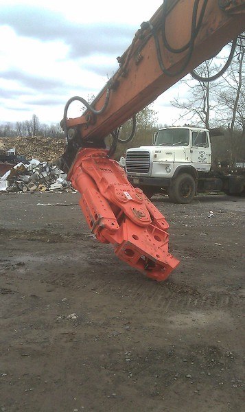 NPK M35K demolition shear on Doosan excavator-C&D recycling (8).jpg