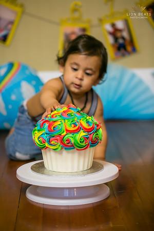 Zainidh's 1st B'day - Cake Smash