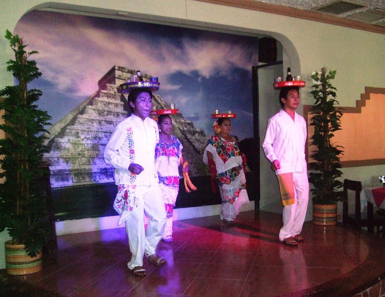 Chichen Itza - 14 Local dance