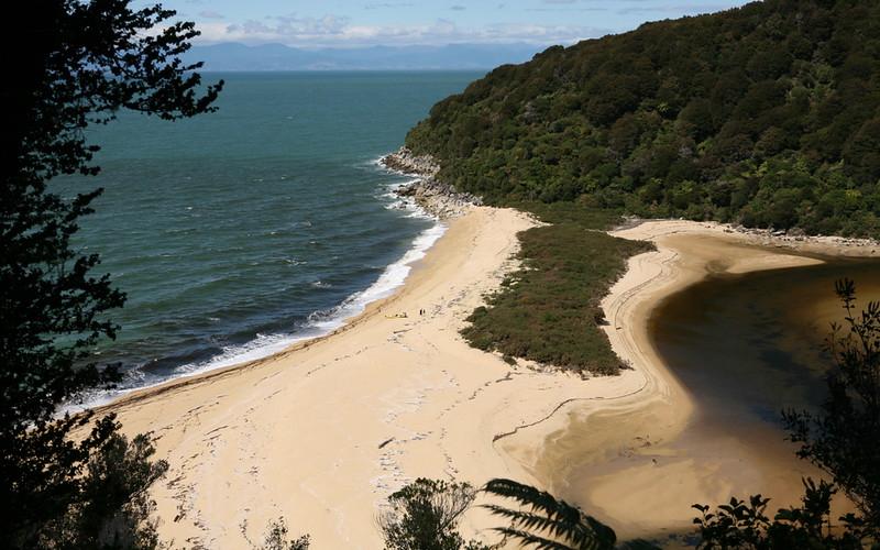 Auf dem Weg entlang der Küste im Abel Tasman
