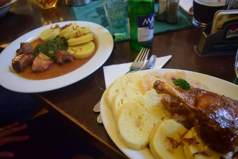 Almuerzo checo