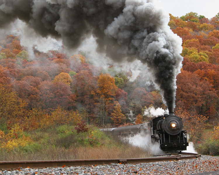 WMSR - Helmstetter's Curve in late October Western Maryland Scenic Railroad