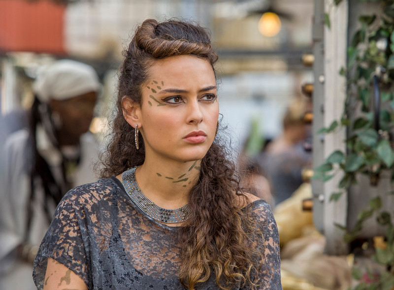 ". Star Crossed -- ""Our Toll Shall Strive to Mend\"" --  Image Number: STA103a_0326.jpg -- Pictured: Chelsea Gilligan as Teri. (Photo by Skip Bolen/The CW)"