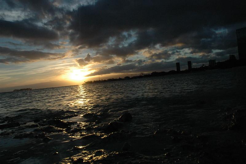 Hawaii - Ala Moana Beach Sunset-25.JPG