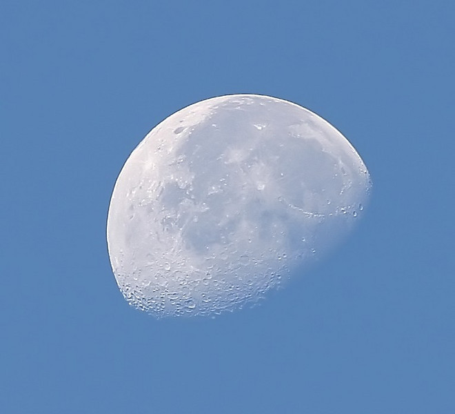 Moon at day