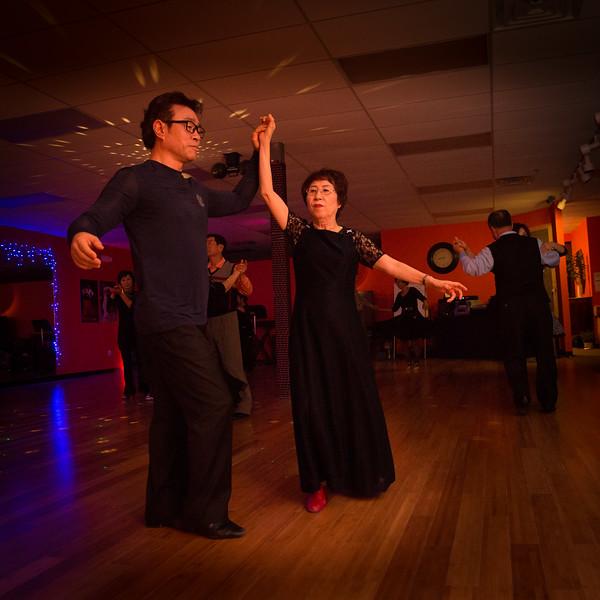 Moms Dance Class 2015-2052.jpg