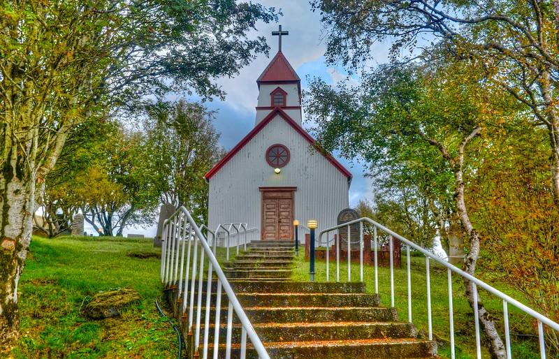 Church in Hvollsvellir