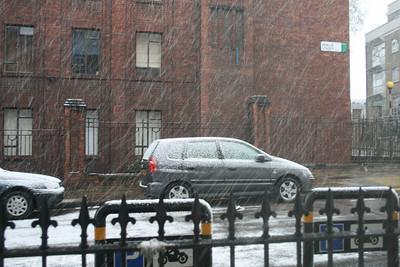 Snowing in London - April 2008