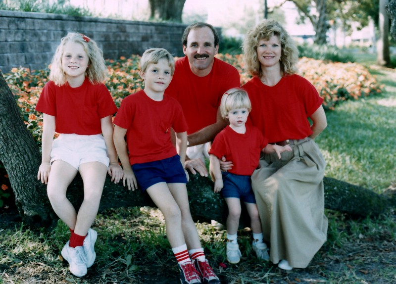 1989_December_Christmas_picture_sessions_in_orlando_0007_a.jpg