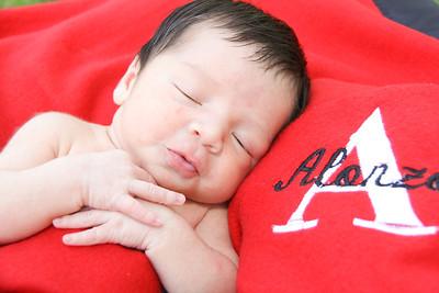 Alonzo ~newborns