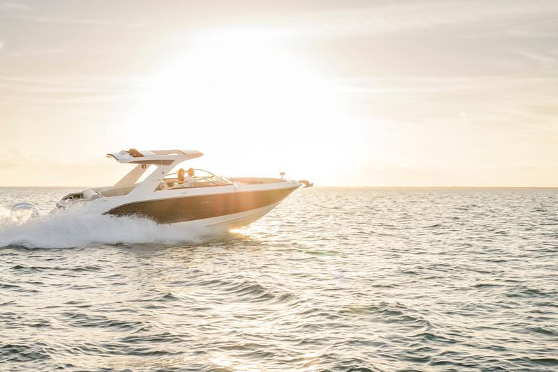 2020-SLX-R-310-outboard-running-4.jpg
