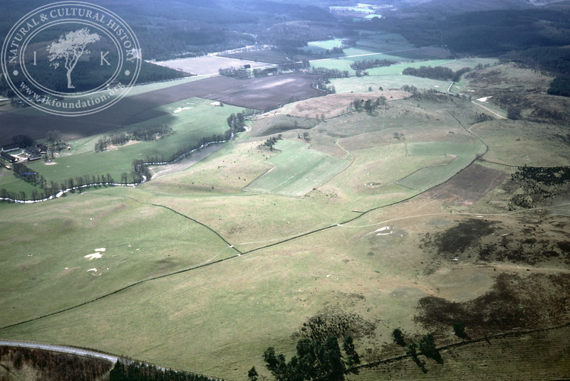 Maglehems ora [Ohra] - with plantations, buildings and prehistoric remains (24 May, 1985). | LH.0405