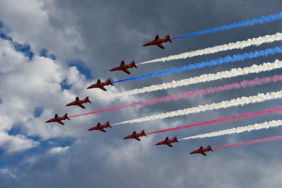 Photos: Royal Air Force Red Arrows Fly in Broomfield