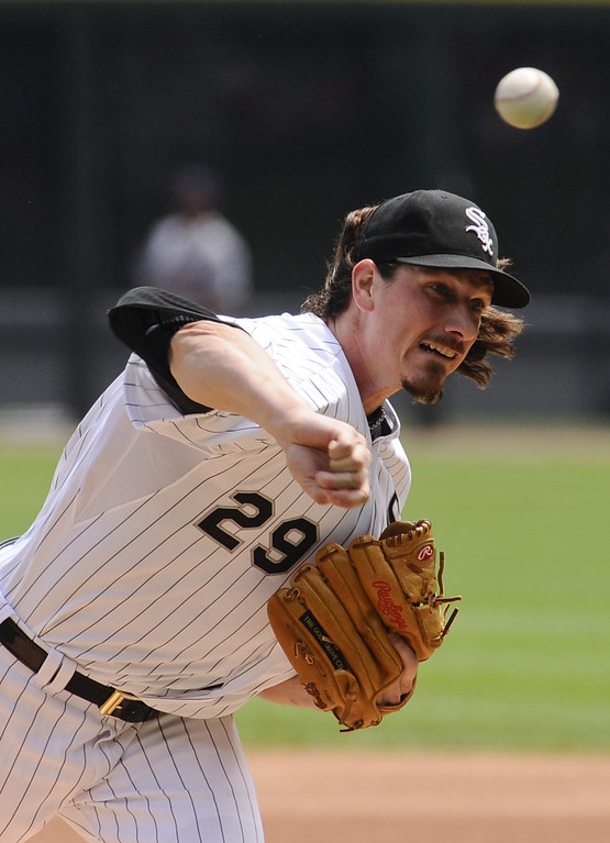 . Chicago White Sox starting pitcher Jeff Samardzija delivers against the Detroit Tigers during the first inning of a baseball game in Chicago on Sunday, June 7, 2015. (AP Photo/Matt Marton)