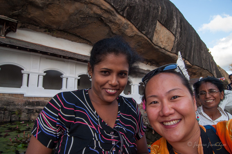 New friend at Dambulla Cave Temple