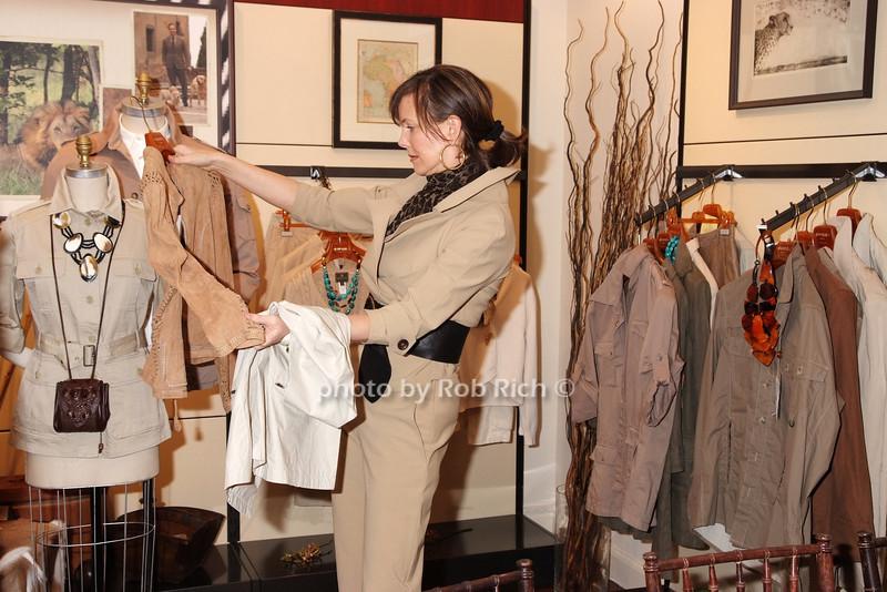 Frances Schultz photo by Rob Rich © 2008 robwayne1@aol.com 516-676-3939
