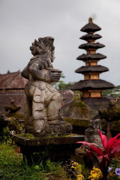 Statue at Besakih Temple near Mt Agung