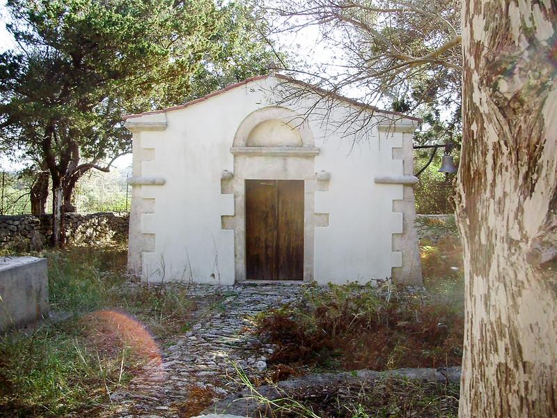 06-Kerk-in-Nisi-nog-in-gebruik.JPG