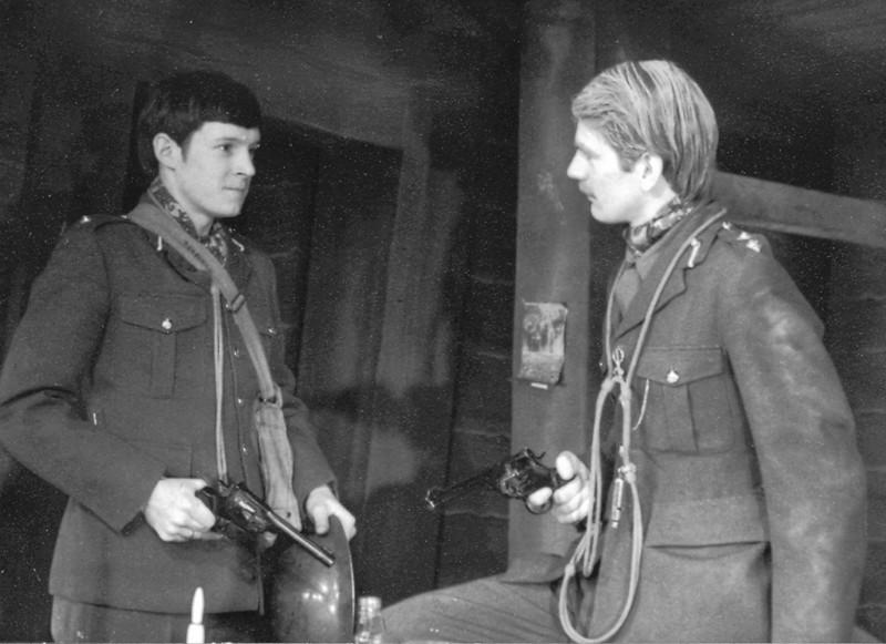 Journey's End 1975 - Ed Nally and John Thewlis.jpg