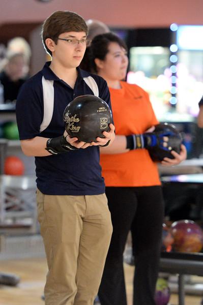 boys_bowling_9774.jpg