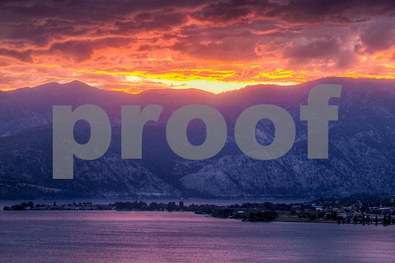 Lake Chelan sunset 1025_HDR.jpg