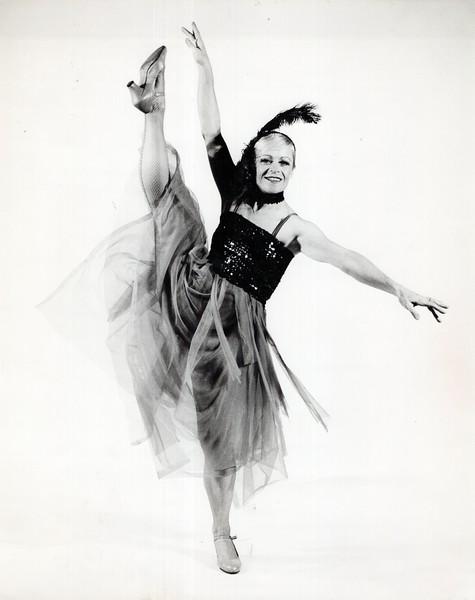Dance_2086_a.jpg