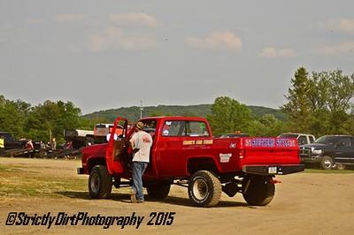 Lorah's Truck Pulls & Fireworks 05.29.15