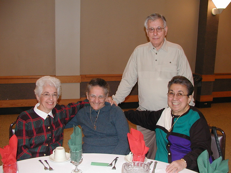 2002-12-12-Philoptochos-Senior-Citizens-Luncheon_013.jpg
