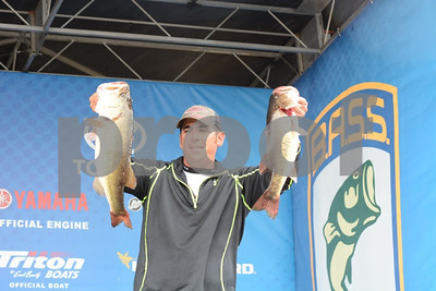 louisiana-fisherman-leads-bass-nation-championship-on-conroe