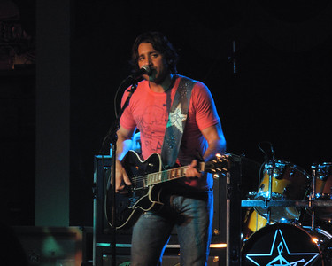 Steve Azar ~ at Whiskey Roadhouse Council Bluffs, August 30, 2007