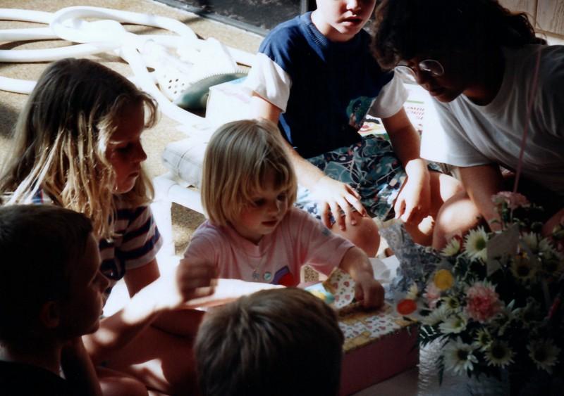 1991_Spring_Orlando_Amelia_birthday_some_TN_0015_a.jpg
