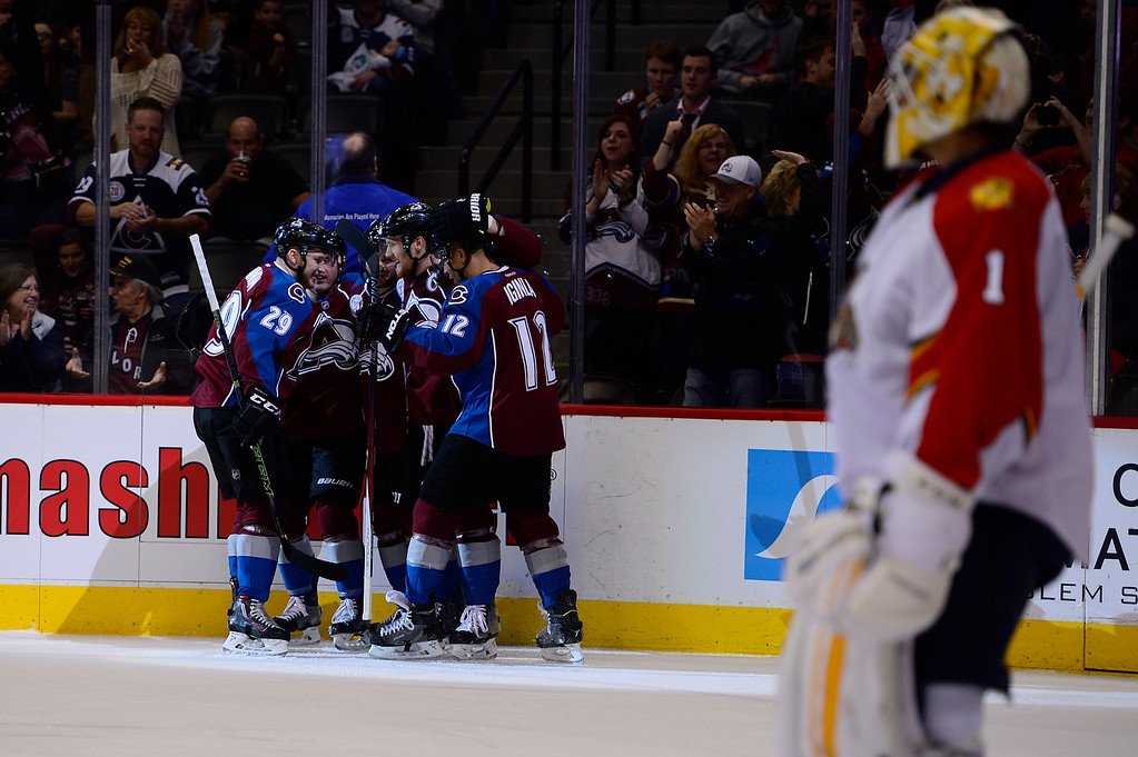 . DENVER, CO - MARCH 3: Colorado Avalanche celebrate the goal from Colorado Avalanche left wing Gabriel Landeskog (92) during the first period at the Pepsi Center on March 3, 2016 in Denver, Colorado. (Photo by Brent Lewis/The Denver Post)
