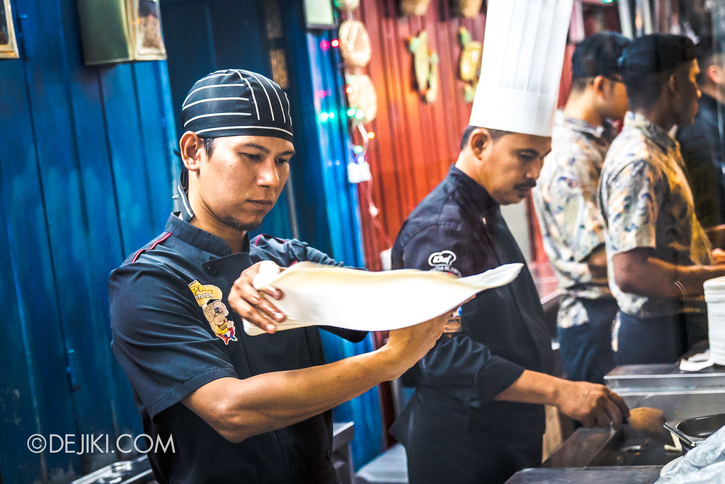 RWS Street Eats 2018 - Flying Roti Canai in action