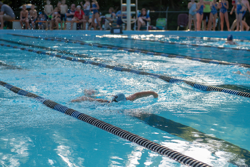 lcs_swimming_kevkramerphoto-017.jpg