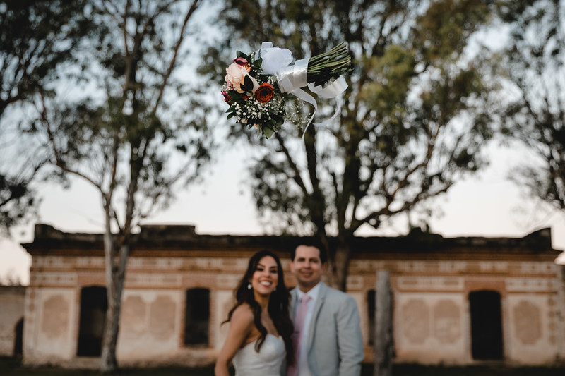 P&H Trash the Dress (Mineral de Pozos, Guanajuato )-117.jpg
