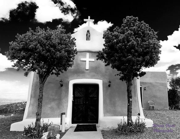 Santa Fe-Taos Black and White