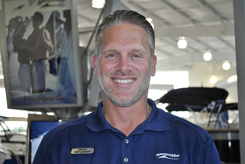 Jeff Lindley_DAL_Salesman_headshot.JPG