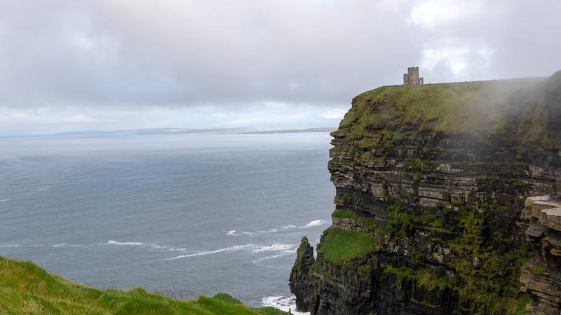 Ireland-Doolin-Cliffs-of-Moher-07.jpg