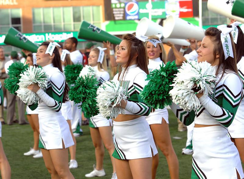 cheerleaders2143.jpg
