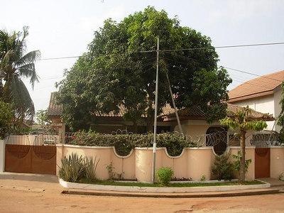 Ghana: Home and 'hood (2007)