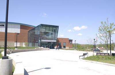 22150 Campus Scenes Recreation Center Students Evansdale